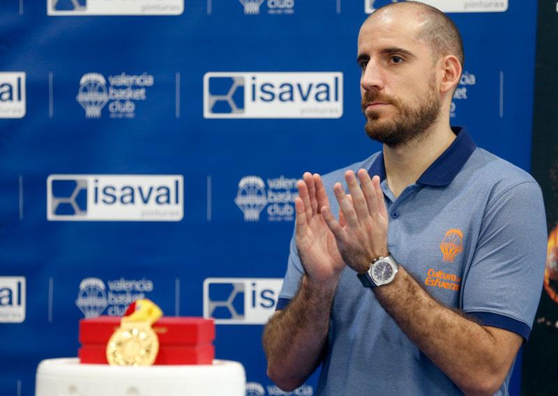Campeón mundial baloncesto Quino Colóm
