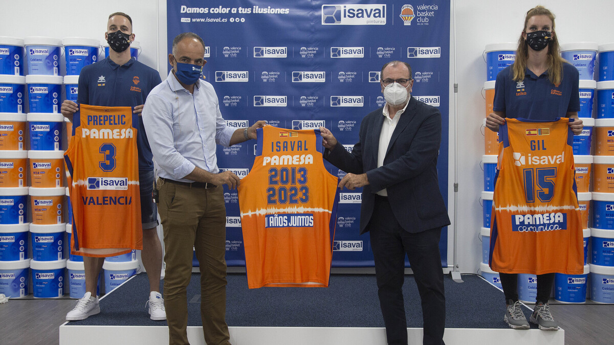 Presentación LAURA GIL Y KLEMEN PREPELIC nuevos fichajes del Valencia Basket