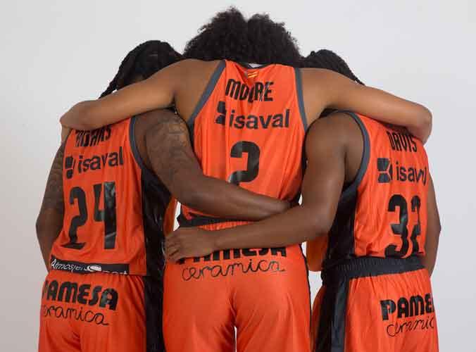 Pinturas Isaval apoya el Baloncesto Femenino con su apuesta doble por Valencia Basket.