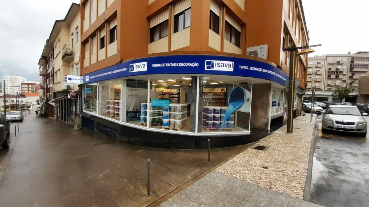Pinturas Isaval sigue con su expansión internacional abriendo su primera tienda en Portugal
