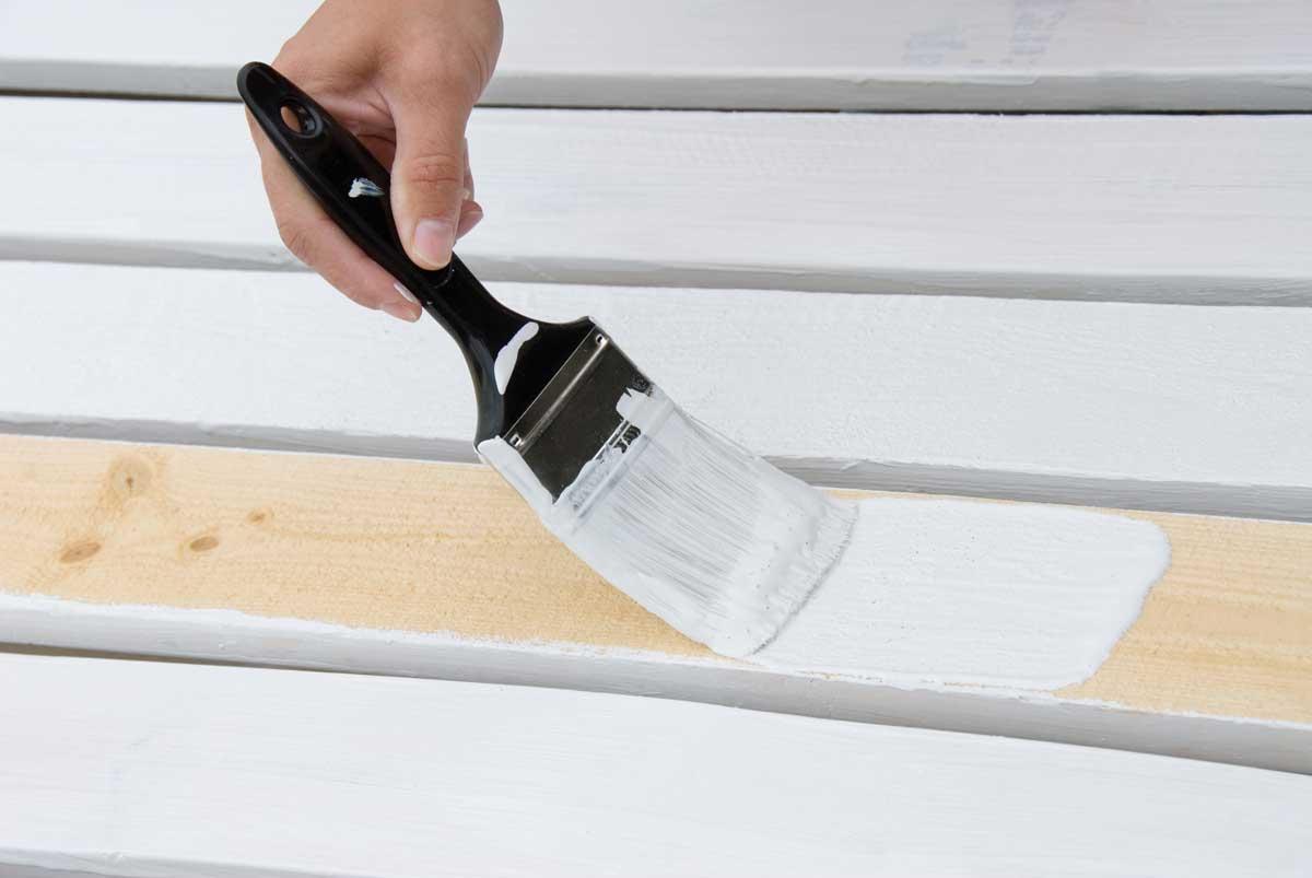 Pintar con esmalte al agua un mueble