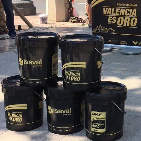 Una línea de oro pintada por Isaval marcará el Maratón y la Media de Valencia