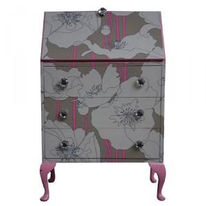 mueble_con_papel_pintado_